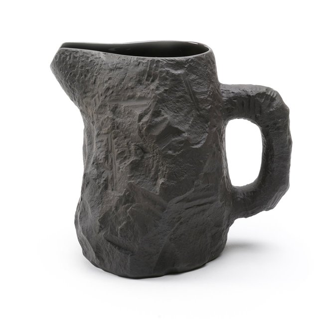 Crockery Black Jug Thumbnail 01