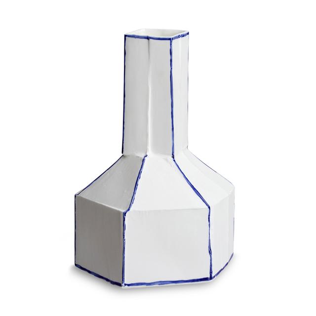 Lines Stegreif Vase with Johannes Nagel | 1882 Ltd.